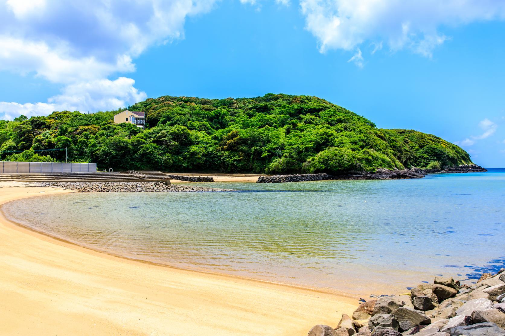 島の海水浴場-1
