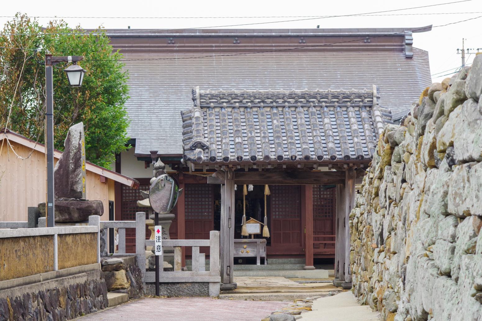 1300年以上の歴史を持つ「聖母宮(しょうもぐう)」-7
