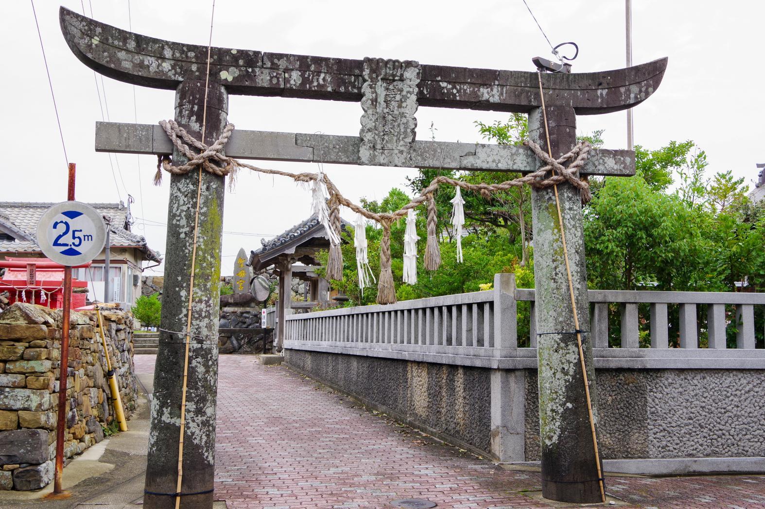 1300年以上の歴史を持つ「聖母宮(しょうもぐう)」-6