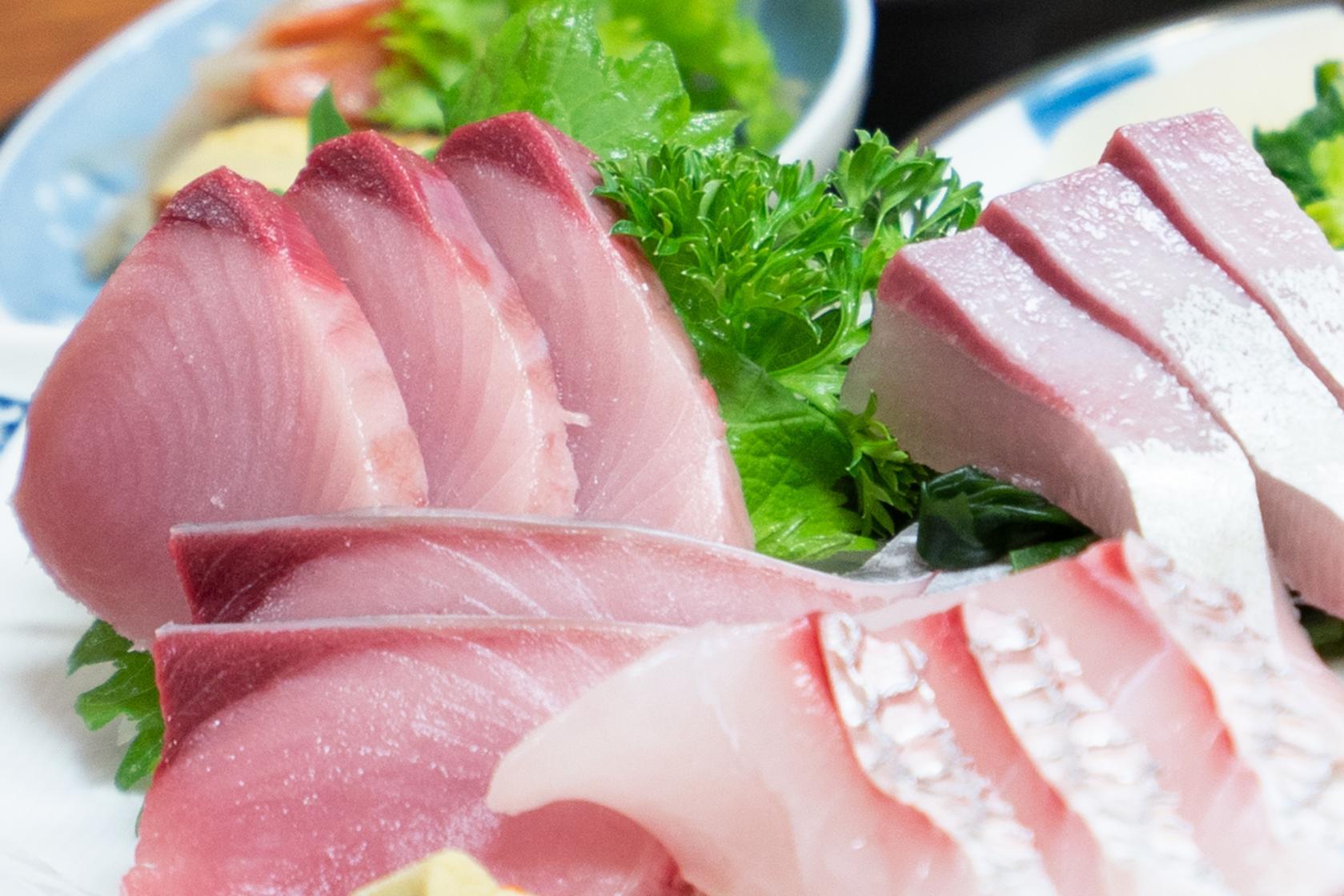 新鮮な海の幸、ジューシーな壱岐牛から麦焼酎までグルメも充実-1