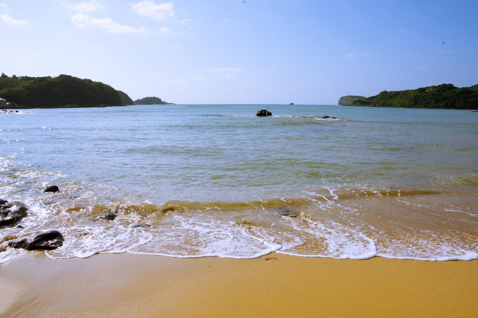 ロマンチックな夕日を見るなら「里浜海水浴場」-2
