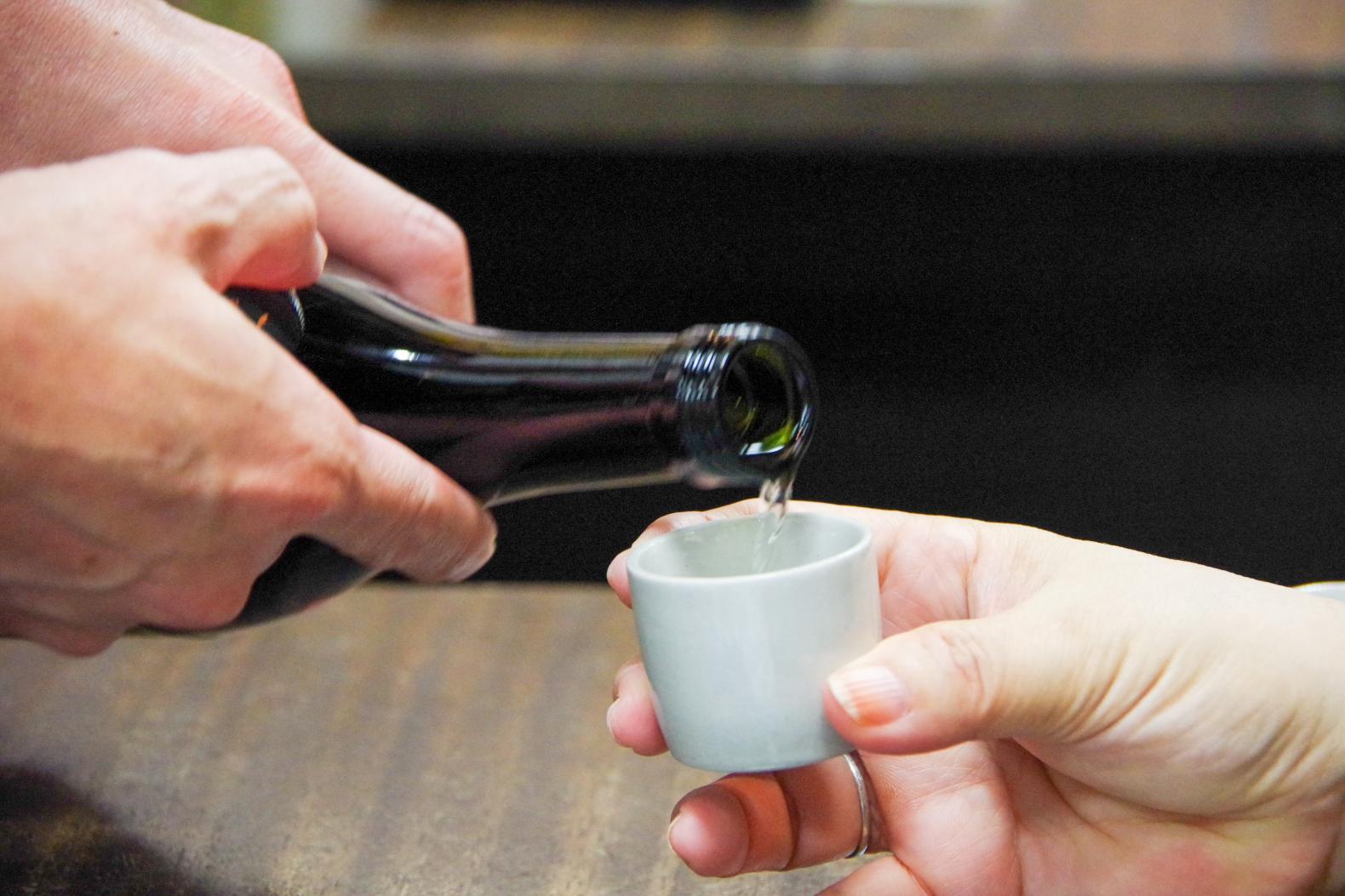さあ、試飲を楽しもう!できたての味、熟成後の味わい…壱岐だけに一気に焼酎通に!?-0