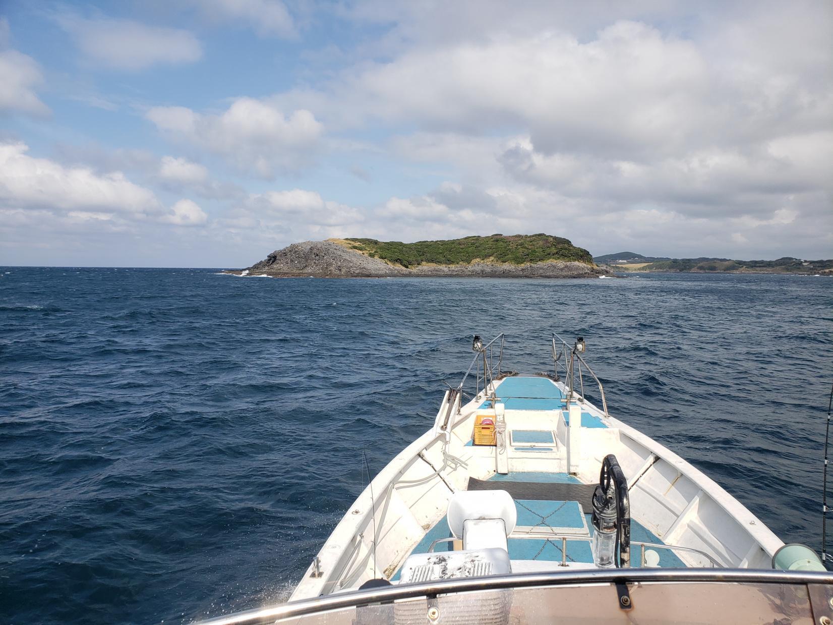 貸切りクルージングで島の絶景も楽しめる!-2