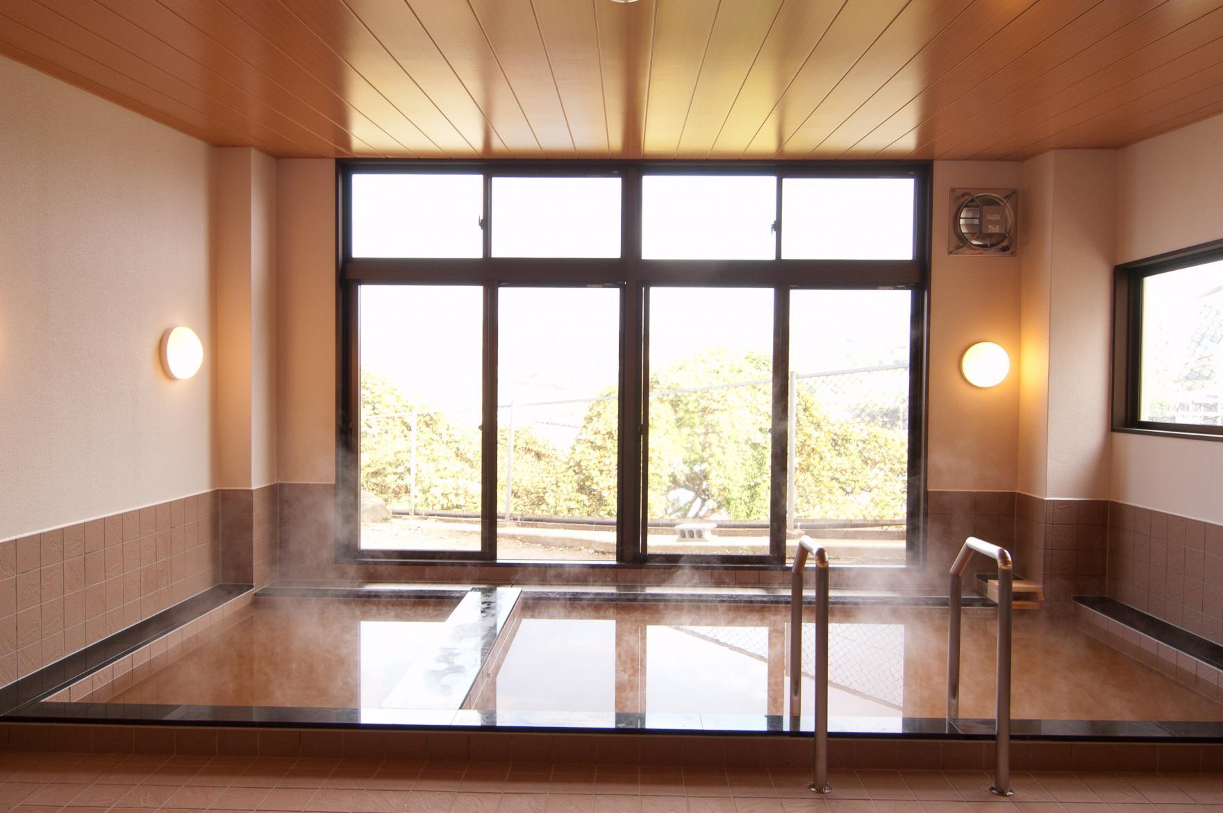 湯本湾が一望できる展望風呂が自慢!国民宿舎壱岐島荘-0