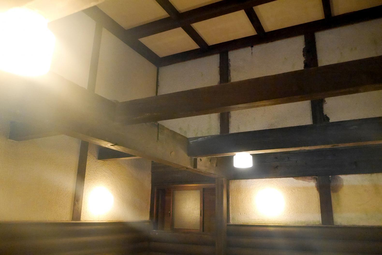 外観も浴場もレトロな雰囲気 旅館千石荘-2