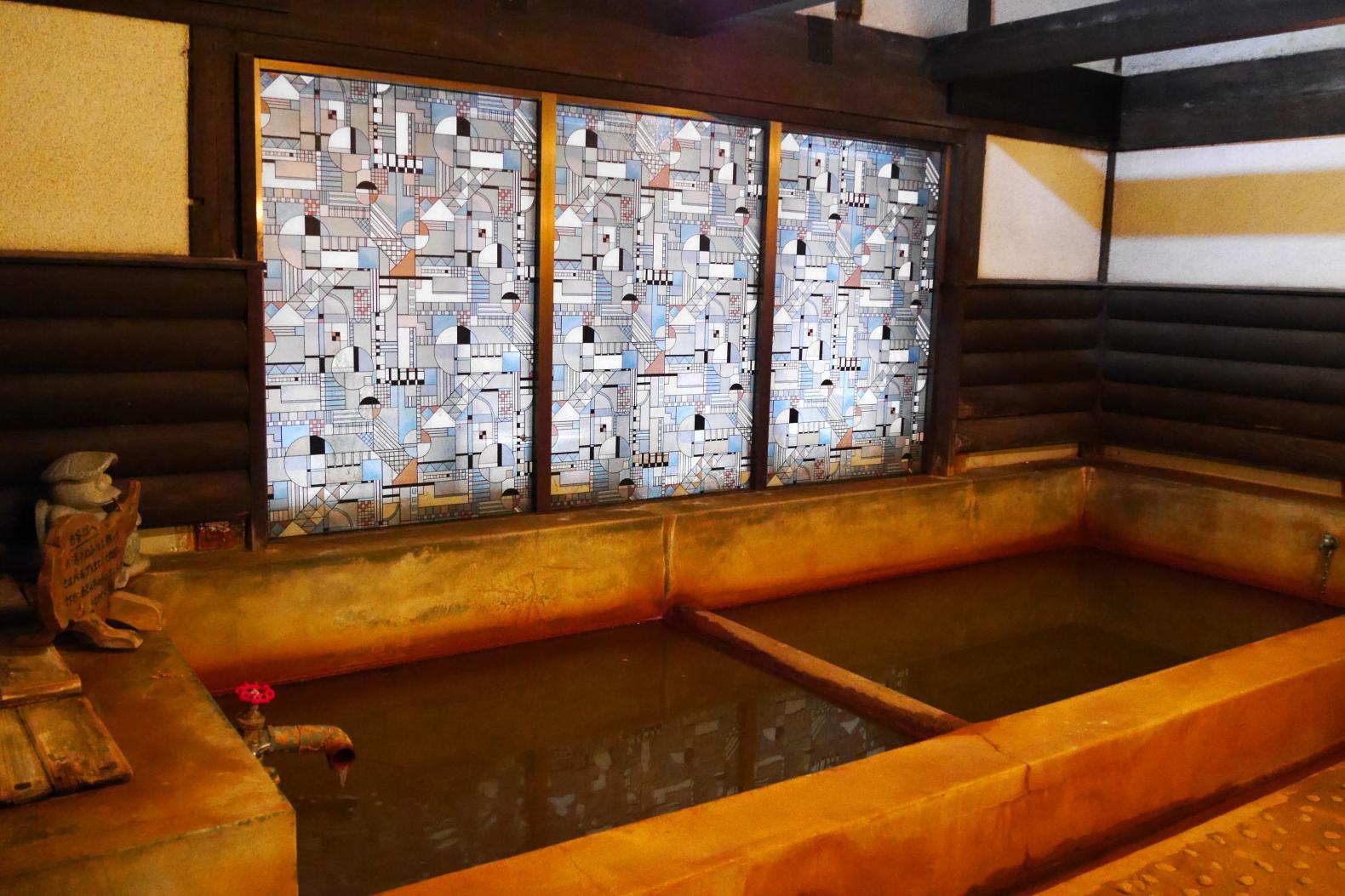外観も浴場もレトロな雰囲気 旅館千石荘-0