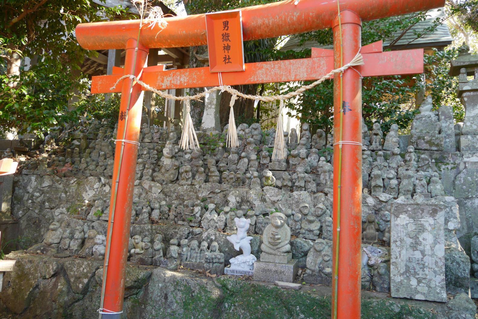 神聖な空気を味わえる男嶽神社-2