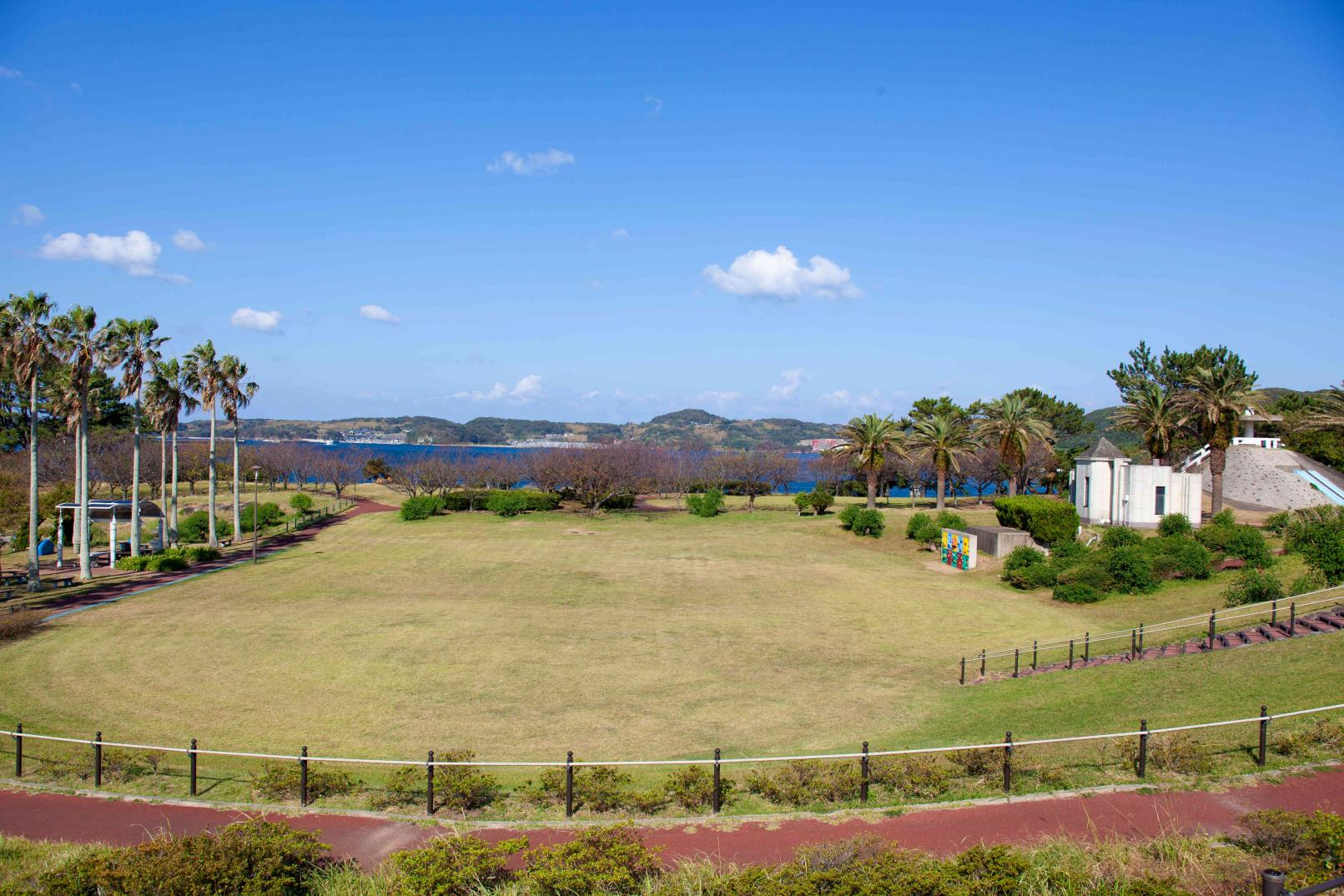 郷ノ浦港から徒歩10分ほどで行ける弁天崎公園-0