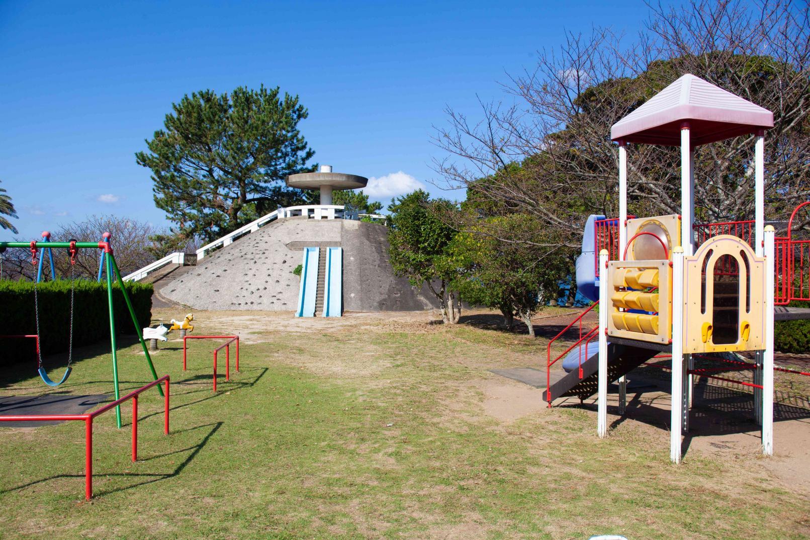 郷ノ浦港から徒歩10分ほどで行ける弁天崎公園-1
