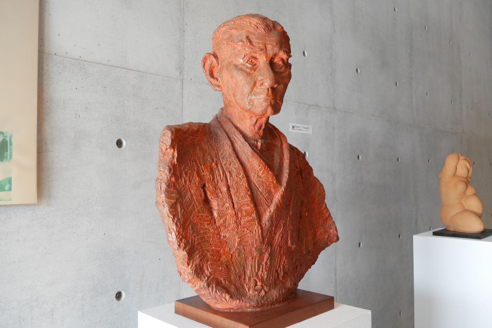 壱岐出身の彫刻家による作品を展示-1