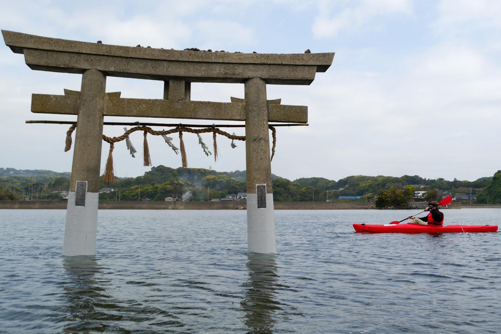 パワースポット「小島神社」の鳥居をくぐる!-2