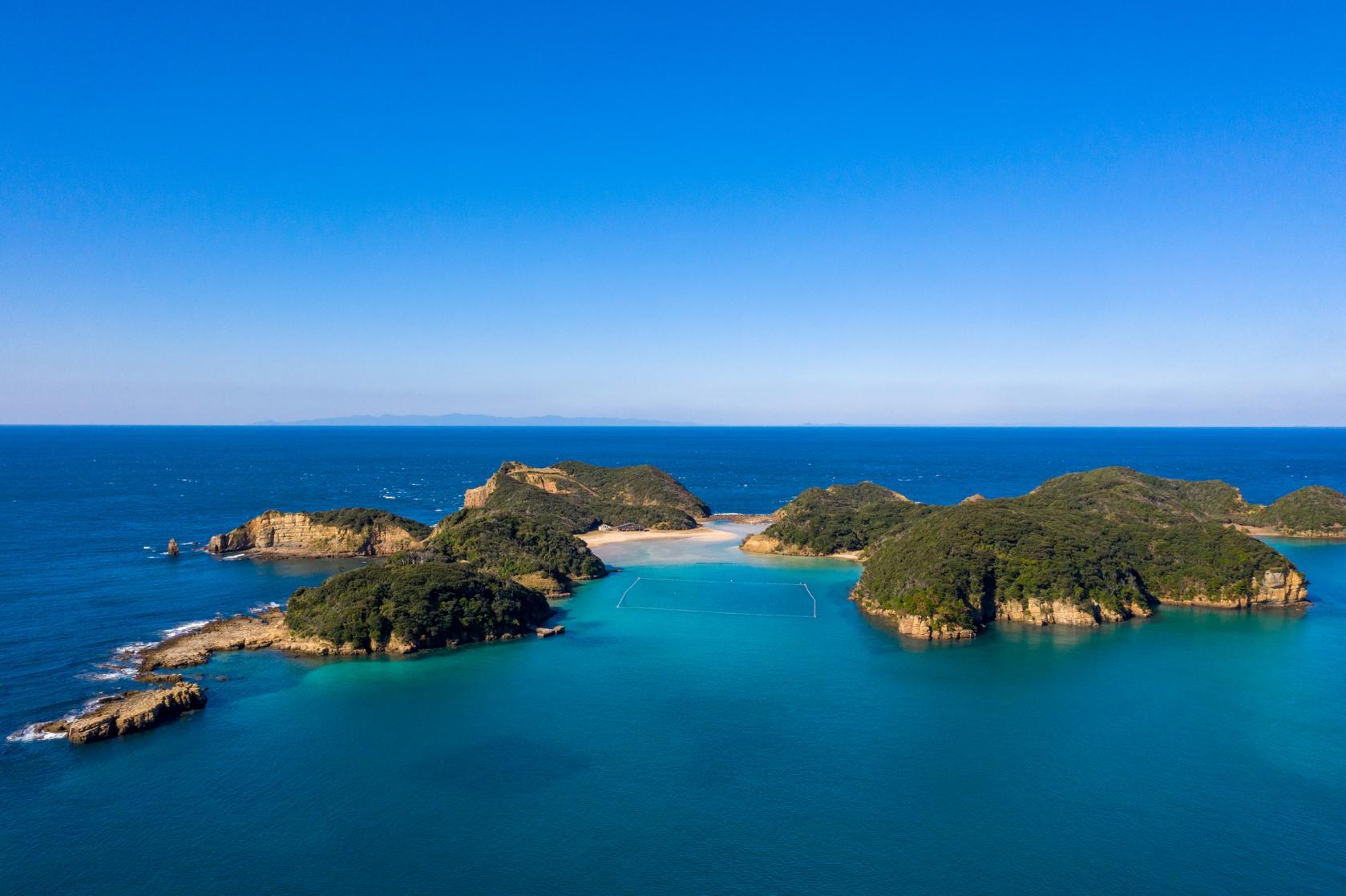 エメラルドの海に心奪われる。辰の島遊覧&無人島探検-1