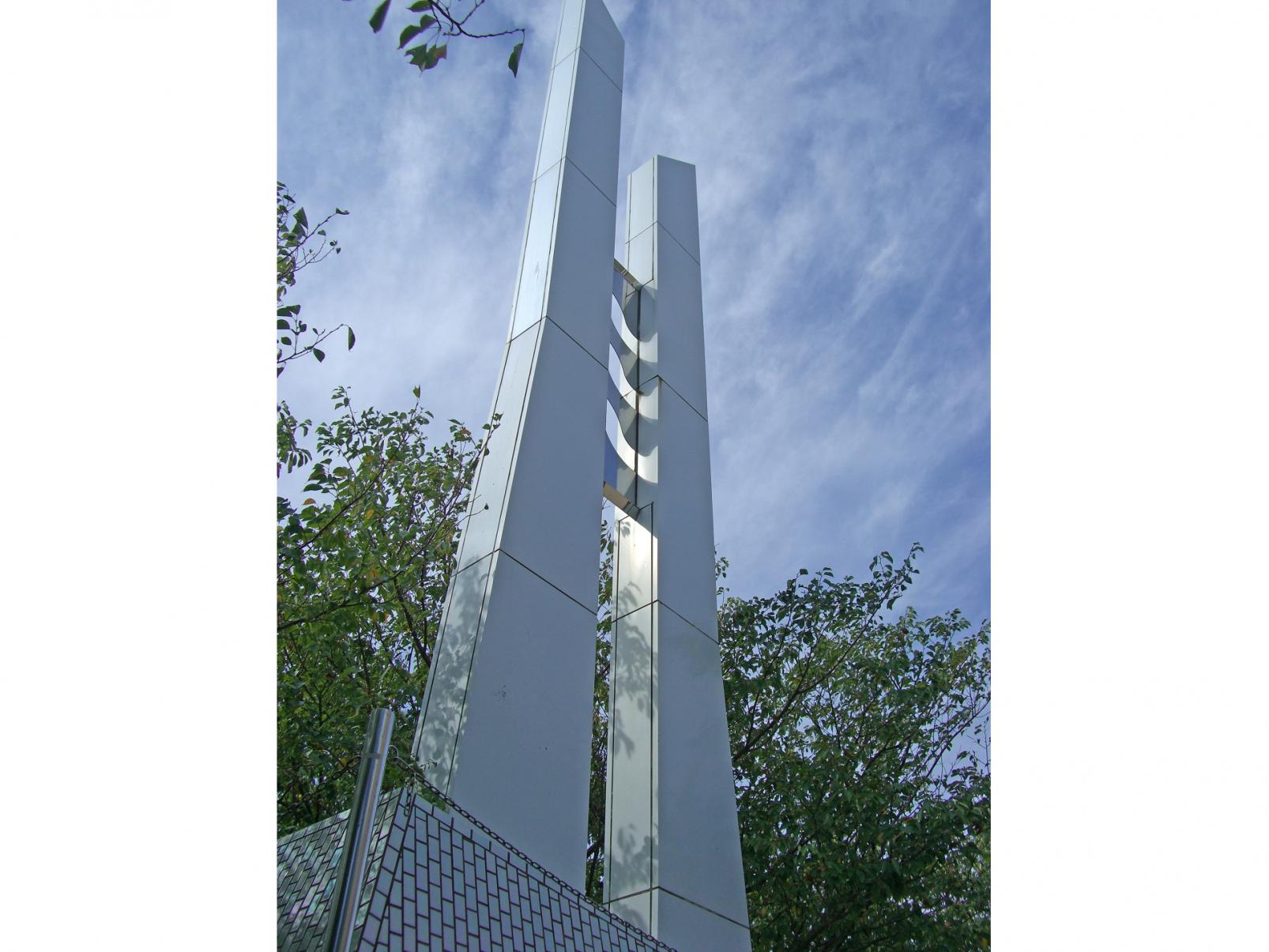 春一番の塔-1
