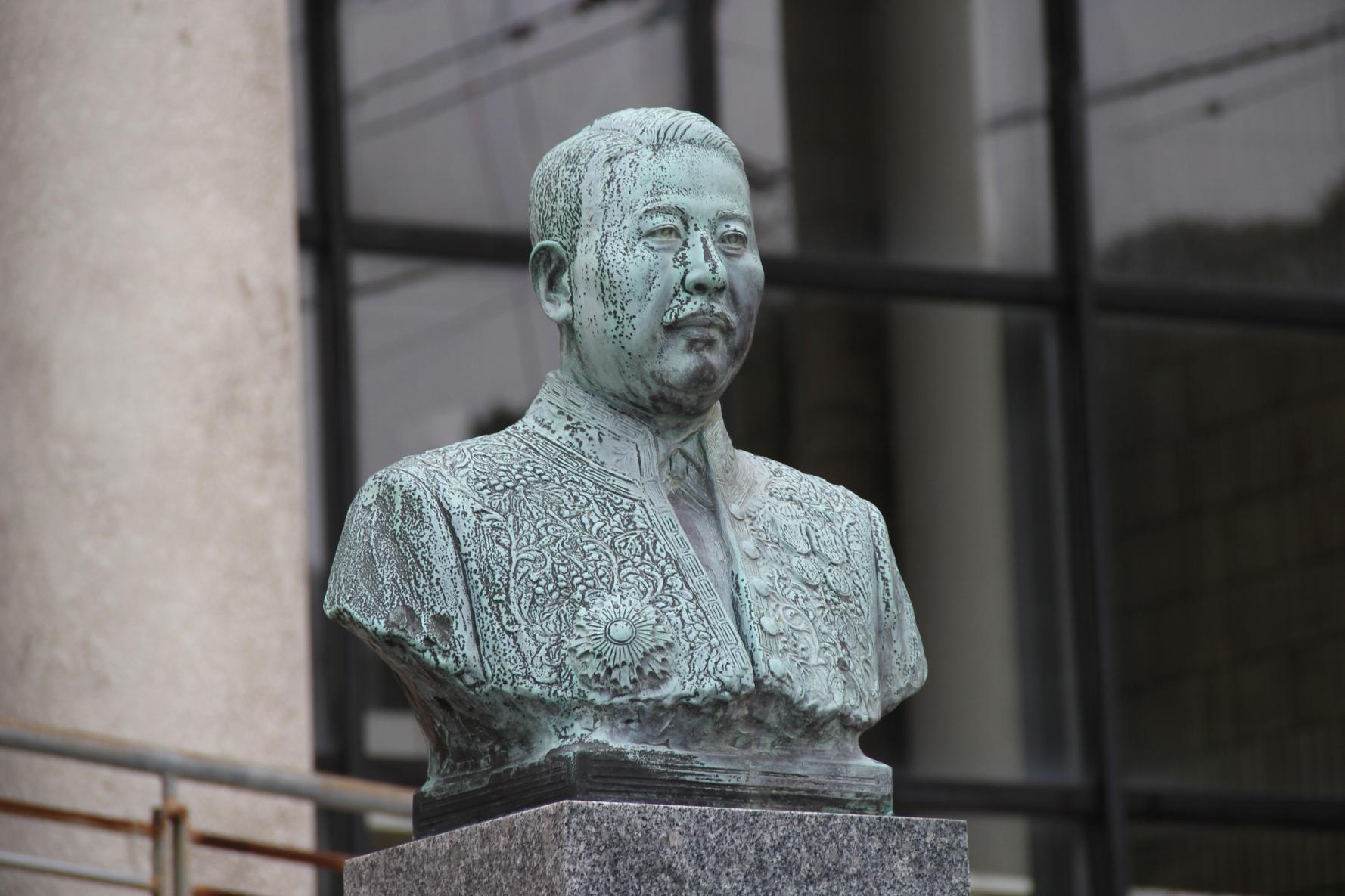 壱岐島内建立の人物胸像めぐり-1